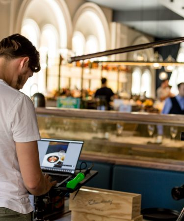 7 Technologies That Can Increase Restaurant Sales and Revenue